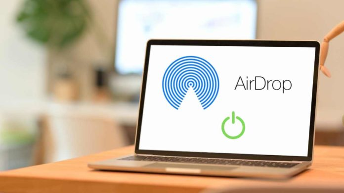 How to turn on Airdrop iphone and Mac